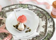 Too cute! Perfect for a woodland themed wedding! // How-Tuesday: Meringue Mushrooms on Etsy //