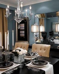 Loving the color choices for this dining room.