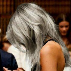 I so wana dye my hair #grey !! #granny #grannyhair #haircolor #loveit #hairstyle #grannyhairstyle #silverhair #grannyChic