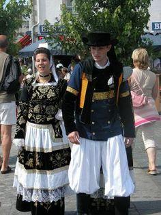 la Bretagne et son patrimoine, le costume breton.