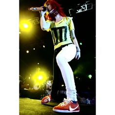 OMGHayley! ❤ liked on Polyvore featuring paramore, hayley williams, hayley and photos