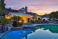 Jennifer Lopez vend sa maison dans les hauteurs de Hidden Hills