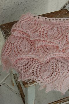 free pattern for sweet shawl