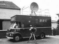 Any number of Morris FG vans in BBC livery used to be parked outside football grounds in the and for Match Of The Day coverage Classic Trucks, Classic Cars, Match Of The Day, Survey Companies, Old Lorries, Van Car, Vintage Television, Bbc Tv, Bbc Broadcast