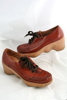 0b5c318a098e2 VTG 1970s Get UP Brown FAMOLARE Chunky Wave Wedge Woven Leather Lace ups  6.5N 7