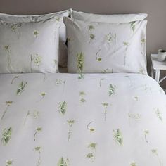 Marjolein Bastin Winterbloem - Dekbedovertrek - Lits-jumeaux Extra Breed - 260x200/220 cm - Natural Marjolein Bastin, Embroidered Bedding, Bed Sheets, Home, Twin Cribs, Ad Home, Homes, Bed Linens, Haus