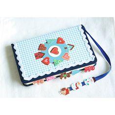 Kreatywny piórnik DIY #creative #school #moje #bambino  http://www.mojebambino.pl/boze-narodzenie/1259-naklejki.html