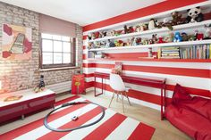 Big bold strips in a child's room.