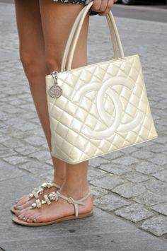 Chanel Bag - OMG! LOVE THIS!!