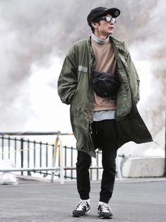 グリーンとベージュ。 と ブラックとグレー。 ZOZOHEAT暖かい🤗 ............. Spring Jackets, Fashion Lookbook, Mens Fashion, Street Fashion, Autumn Fashion, Bomber Jacket, Polo, Celebs, Street Style