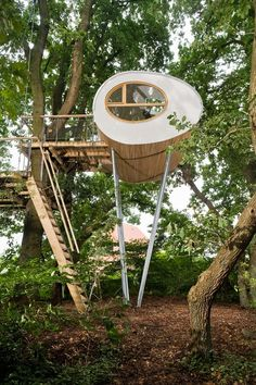 More Amazing Arboreal Architecture. Baumraum Tree Houses Part II. Architecture Design, Modern Tree House, Woodland House, Cool Tree Houses, Tree House Designs, Small Buildings, In The Tree, Play Houses, Land Scape