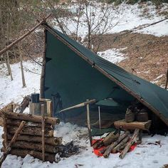 camping gear You are in the right place about Bushcraft camping winter Here we offer you the most beautiful pictures about the Bushcraft camping cold weather Bushcraft Camping, Bushcraft Skills, Camping Survival, Outdoor Survival, Survival Skills, Outdoor Camping, Survival Hacks, Survival Stuff, Winter Camping