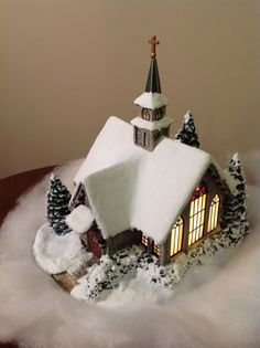 Thomas Kinkade Village Christmas Illuminated Sculpture ~Quilt Shop~