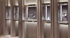 Jewerly store interior display case 44 new ideas Jewellery Shop Design, Jewellery Showroom, Jewelry Shop, Jewellery Displays, Zuni Jewelry, Designer Jewellery, India Jewelry, Gold Jewelry, Gold Necklace