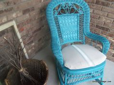 How to makeover wicker! Love the turquoise!