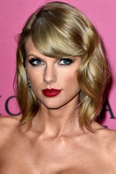 Taylor Swift's beauty transformation, in 34 looks:
