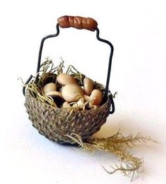 how to: acorn basket