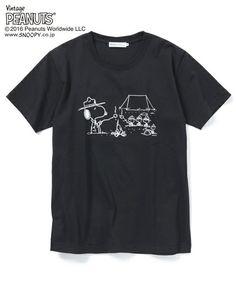 SILAS MEN'S(サイラス メンズ)の【SILAS×SNOOPY(スヌーピー)】S/S TEE SNOOPY CAMPFIRE(Tシャツ/カットソー)|ブラック