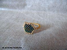 Bague tissée perles Miyuki Doré et vert foncé peyote Bohostyle Bohochic Bohemian. Taille de la bague 52-53 : Bague par m-comme-maryna