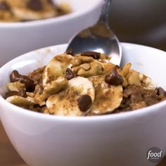 Hot Chocolate Banana-Nut Oatmeal is like having dessert for breakfast (but healthier!).   Get the recipe in our profile link.