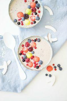 Fruity Breakfast Bowl #frühstück #smoothie #smoothiebowl #gesund #obst #healthy