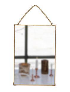 Spiegel Flur, Bad, Schlafzimmer... den kleinen Spiegel mit feinem Messingrahmen und einer Kette zum aufhängen kann man überall gut gebrauchen.