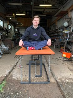 Моя попытка сделать тенсегрити стол | Пикабу Welded Furniture, Industrial Design Furniture, Steel Furniture, Furniture Plans, Diy Furniture, Furniture Design, Woodworking Projects Diy, Wood Projects, Floating Table