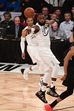 LeBron James of Team LeBron passes the ball against Team Stephen during the NBA All-Star Game as a part of 2018 NBA All-Star Weekend at STAPLES Center on February 2018 in Los Angeles, California. Basketball Jones, Basketball Players, King Lebron James, King James, All Star, Nba, Peplum Dress, Stars, People