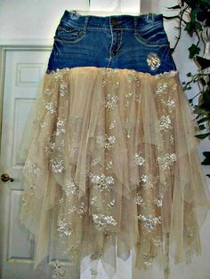 Ruffled tulle and vintage lace jean skirt upcycled denim embellished beige tan rose vintage bohemian Renaissance Denim Couture Made to Order - DIY Clothes Sweater Ideen Denim Vintage, Rose Vintage, Upcycled Vintage, Bohemian Mode, Vintage Bohemian, French Bohemian, Denim And Lace, Diy Clothing, Sewing Clothes