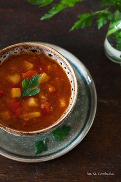 zupa soczewicowa z papryką i ananasem