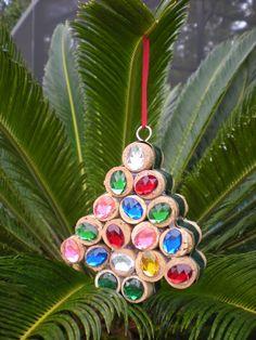 handmade-wine-cork-christmas-tree