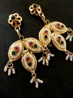 Exquisite  1960s vintage Venice dangle earrings  by RAKcreations