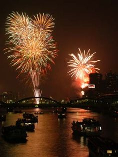 Fireworks in Sumida River  隅田川