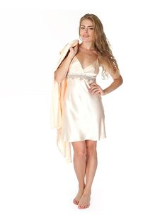 Can Nong satin chemise