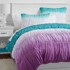For more mermaids' bedrooms inspirations go to circu.net and discover our amazing furniture for girls rooms.