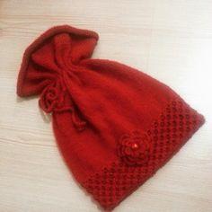 Kırmızı örgü bere Knitted Hats, Crochet, Kids, Knitting Ideas, Beanies, Mittens, Caps Hats, Scarves, Breien