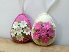 Items on Etsy that resemble Felt decoration, pink and ivory Easter eggs with bunny and butterflies or flowers, Easter ornaments - set of 2 or 8 Felt Gifts, Diy Ostern, Felt Decorations, Felt Fabric, Felt Diy, Felt Ornaments, Spring Crafts, Felt Flowers, Easter Crafts