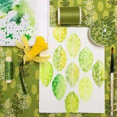 Shades of green 🌱🍃🌿#spoonflowerfabric #thymeafterthyme #watercolor #goodtobegreen #textiledesigner #spoonflower #snailmailrevolution #koiwatercolors #springfeeling #jonquille #daffodil