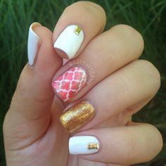 Pink and Gold Moroccan Inspired Quatrefoil Nails