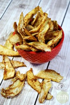 Raw Vegan Cinnamon Sugar Pear Chips...made with a dehydrator and clean ingredient, they're organic, raw, vegan, gluten-free, dairy-free, nut-free, paleo-friendly and contain no refined sugar