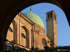 La Basilica del Carmine è stata in custodia dai padri Carmelitani che avevano…