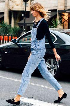 Jardineira jeans grita grunge e normcore, mas ela pode ser muito mais cool do que os 90s!