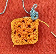 crochet kalaakari: Mitered granny square free pattern Granny Square Pattern Free, Granny Square Quilt, Sunburst Granny Square, Crochet Motifs, Granny Square Crochet Pattern, Afghan Crochet Patterns, Crochet Squares, Free Pattern, Scrap Yarn Crochet