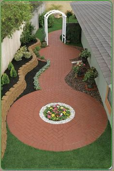 Side yard idea. circle pattern