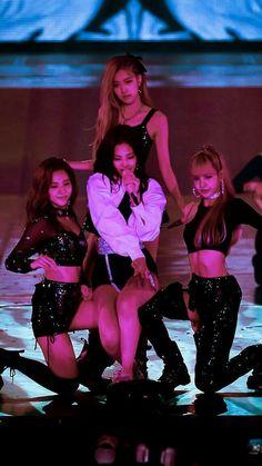 Blackpink in your area Kim Jennie, Kpop Girl Groups, Korean Girl Groups, Kpop Girls, Divas, Girls Generation, My Girl, Cool Girl, Tumbrl Girls