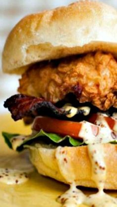 Southern Fried Chicken BLT with Dijonnaise. Try this delicious sandwich on Martin's Potato Rolls! Chicken Sandwich Recipes, Fried Chicken Recipes, Soup And Sandwich, Burger Recipes, Fried Chicken Sandwich, Bacon Sandwich, Game Recipes, Tofu Recipes, Chicken Blt