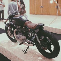 I thoroughly adore the things that these folks did to this distinctive Cb400 Cafe Racer, Honda Cafe Racer, Cafe Bike, Cafe Racer Bikes, Cafe Racer Motorcycle, Estilo Cafe Racer, Cafe Racer Style, Custom Cafe Racer, Blitz Motorcycles