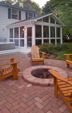 Screened Porch Designs, Screened In Patio, Enclosed Patio, Front Porch, Curved Patio, Front Yards, Small Patio, Front Doors, Fire Pit Backyard
