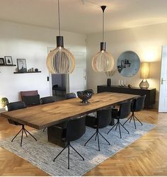 Dining room idea - diff chairs thou Esszimmer Id. room # Chairs Dining room idea - diff chairs thou Dining room idea - diff chairs you Luxury Dining Room, Dining Room Design, Dining Room Chairs, Chairs For Dining Table, Dining Rooms, Minimalist Dining Room, Minimalist Living, Dining Room Inspiration, Küchen Design