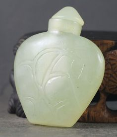 China natural jade hand-carved flower Snuff Bottle NO.L043